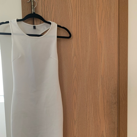 Dresses & Skirts - White bodycon dress with back cut out